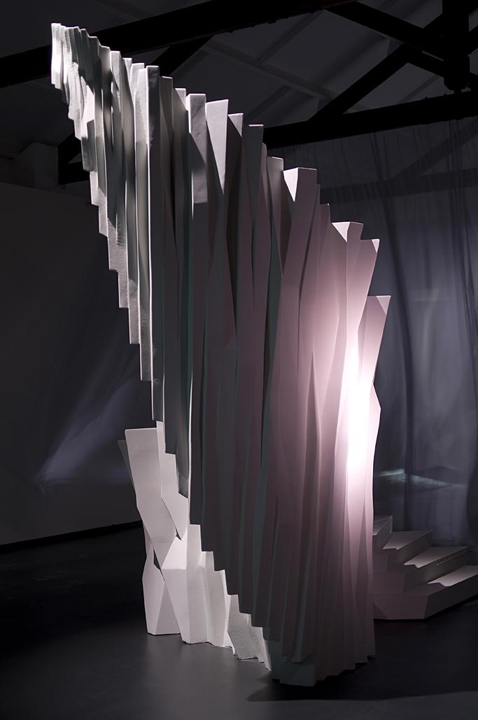 Objeto Escalonado. Madera y poliestireno de alta densidad cubierto de poliurea y pintura. 406 x 228 x 330 cm. 2009