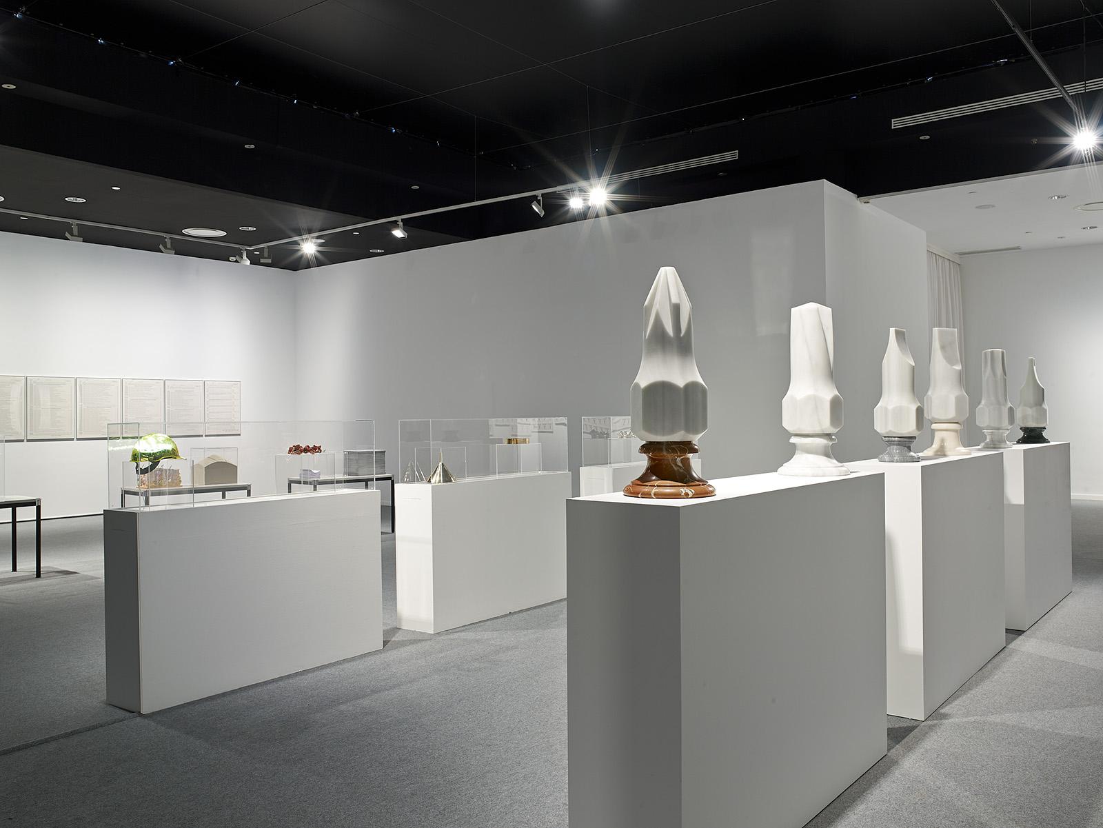 Juan Luis Moraza - Vista de la exposición trabajo absoluto en MAC Coruña