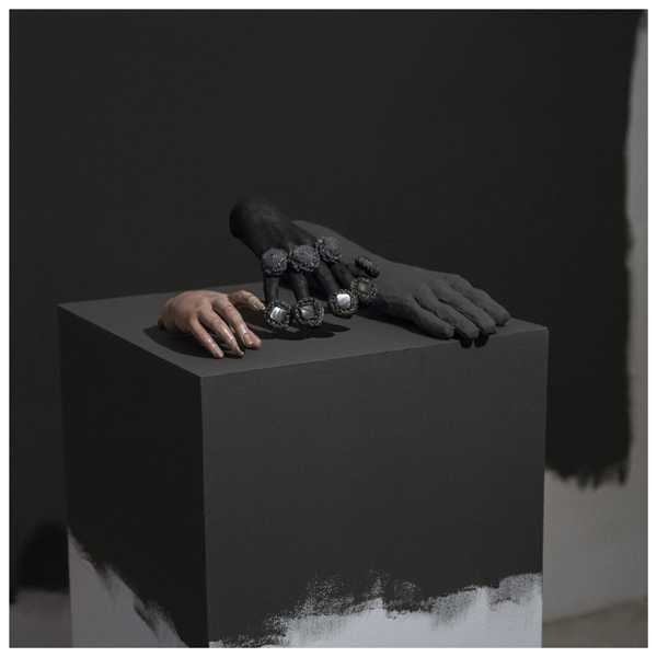 Miguel Angel Gaüeca - Hands from 1939 (After Cahun). 2017. Fotografía.