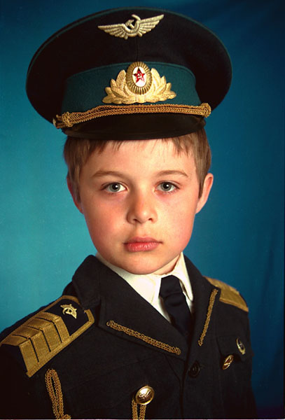 Sergey Bratkov .- Pilot. Colour photography, 40 x 30 cms, 1998
