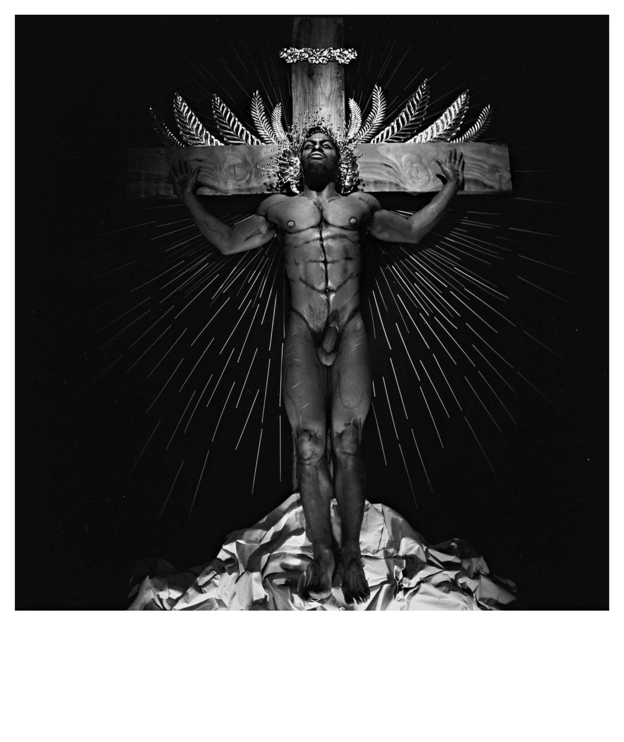 Steven Arnold - Black Jesus. 1985. Gelatina de plata vintage. 20' x 16' : 50,8 x 40,64 cm