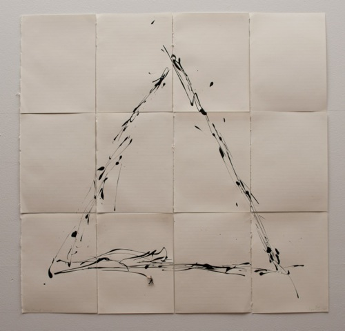 Liliana Porter .- The Attempt III. Triangle. 2015. Work on paper. 66 x 68 cm.