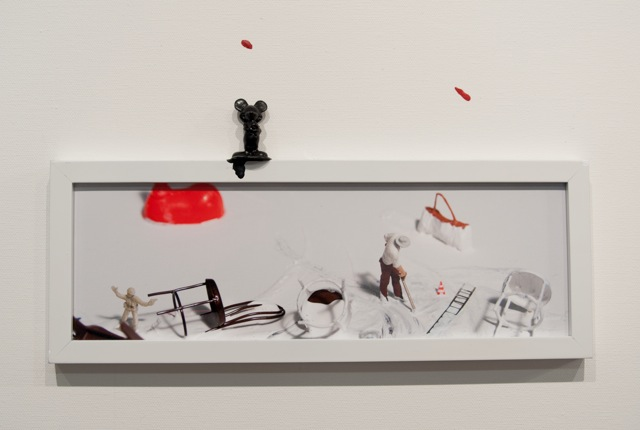 Liliana Porter - Untitled with Mickey's red shoe. 2015. Panel 1. Detalle